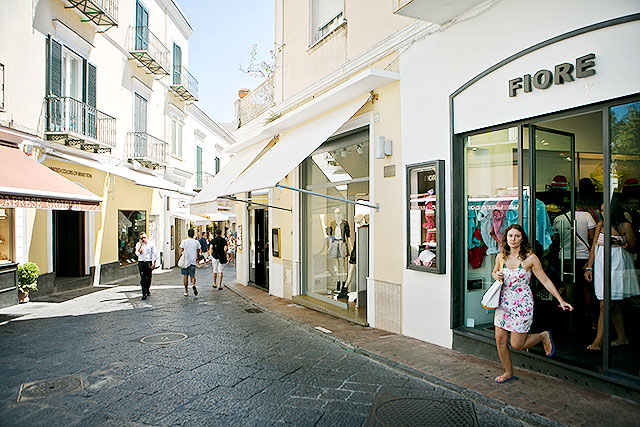 capri_shopping7
