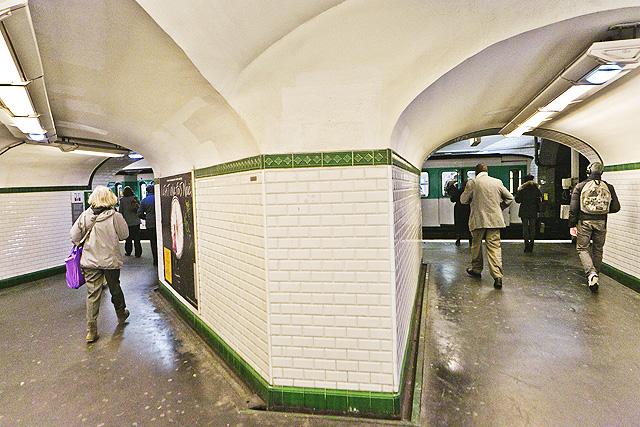 paris_metro_01